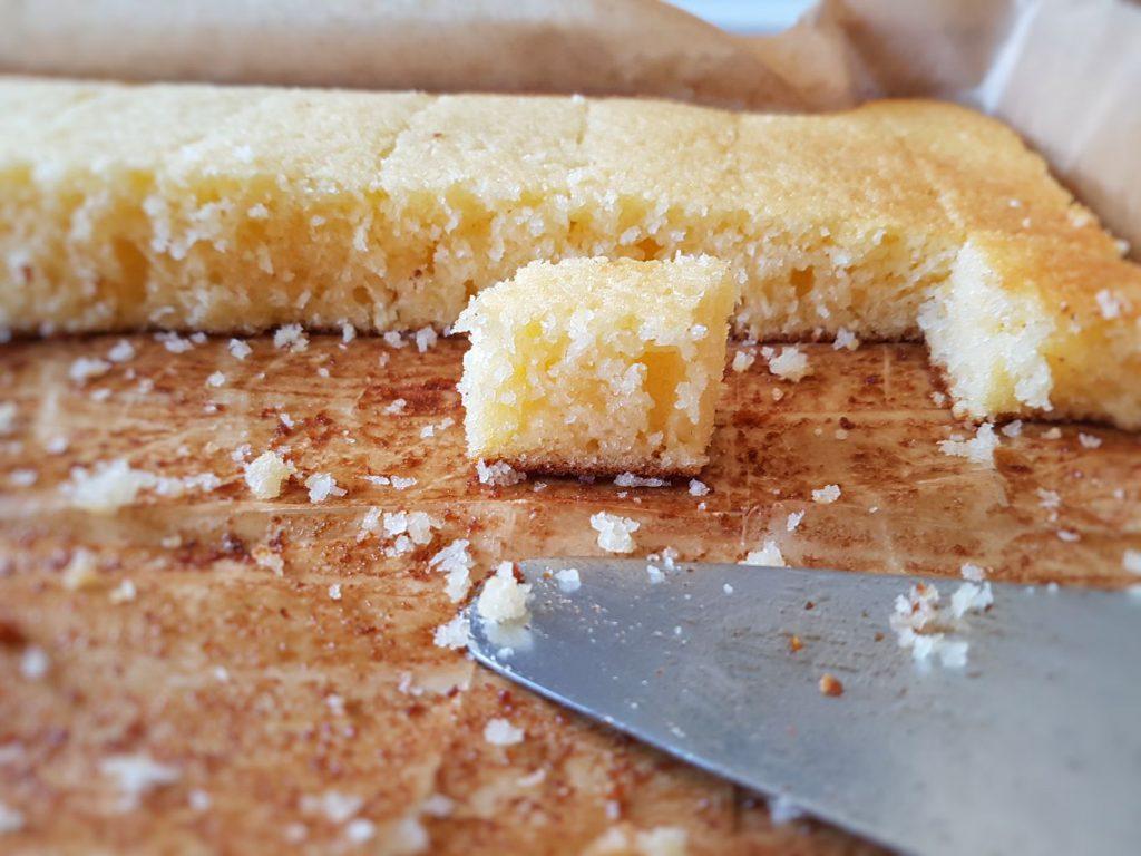 Bögrés kókuszos süti