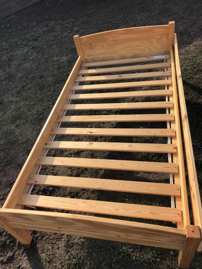 Használt fenyő ágy